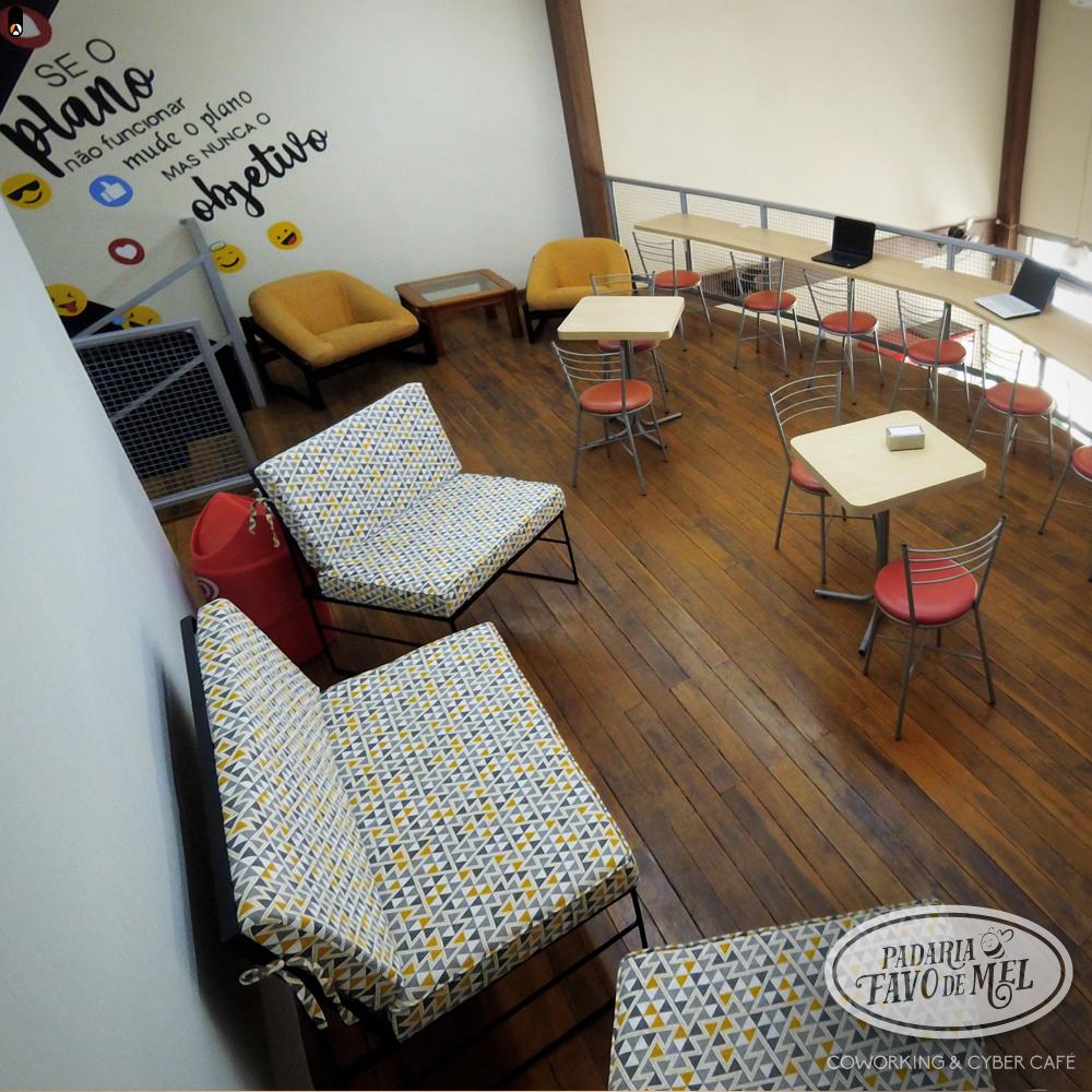 Coworking e Cyber Café